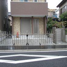 門扉と角柱でバランスよく NO.11の施工写真1