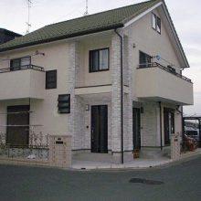 2世帯住宅用 独立した門柱を確保 NO.31の施工写真1