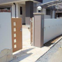 建物とのバランスを考えた門まわり NO.18の施工写真2