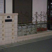 2世帯住宅用 独立した門柱を確保 NO.31の施工写真2