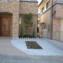 建物に合わせて南欧風なアプローチに NO.6の施工写真1