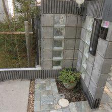 アクセントのガラスブロック+アプローチ NO.77の施工写真3