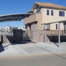 2色のブロックを利用した門塀 NO.70の施工写真1