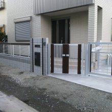 門塀に宅配BOXを取り付けました NO.121の施工写真1