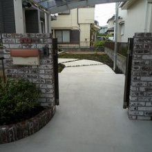 シックなレンガにモダンな門扉の調和 NO.153の施工写真2