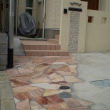 門塀のタイルと石貼りのアプローチのマッチング NO.156の施工写真3