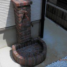 タイルが庭石のアクセント NO.160の施工写真1