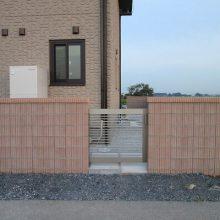 門塀、門袖は明るい色で統一 NO.162の施工写真2
