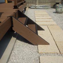 和風なお庭には深い色のウッドデッキ NO.232の施工写真3
