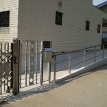 駐車場周り一式、モダンなセミクローズ外構 NO.224の施工写真2