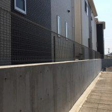メッシュフェンス設置 NO.286の施工写真1