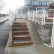 アプローチは木目のスタンプコンクリート NO.310の施工写真1