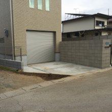 目隠しフェンス、伸縮門扉でクローズ外構 NO.391の施工写真1