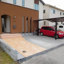 スタンプコンクリートのアプローチでアクセント NO.400の施工写真2