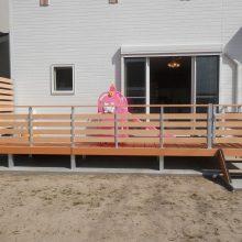 フェンス付のウッドデッキで子供の遊び場を NO.418の施工写真1