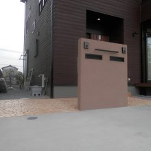 スタンプコンクリートとブラウンの門扉 NO.433の施工写真メイン