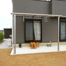 テラス+物置+フェンスのセミクローズ外構 NO.448の施工写真1