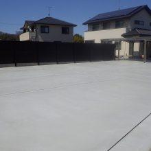 広い敷地にカーポートとコンクリート NO.292の施工写真