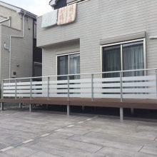 ウッドデッキにフェンスを設置 NO.326の施工写真