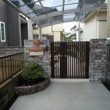 シックなレンガにモダンな門扉の調和 NO.153の施工写真メイン