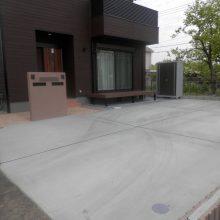 スタンプコンクリートとブラウンの門扉 NO.433の施工写真