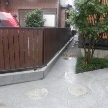 木目のフェンスで和風な感じを演出 NO.480の施工写真3