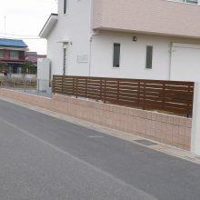曲線のフェンスがとてもオシャレ NO.495の施工写真2
