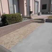土間とスタンプコンクリートで通路を確保 NO.522の施工写真2