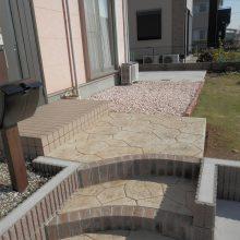 土間とスタンプコンクリートで通路を確保 NO.522の施工写真3
