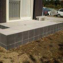 タイルデッキと土留めでお庭をリフォーム NO.523の施工写真3