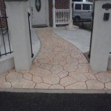 洋風な家にはスタンプコンクリート NO.527の施工写真メイン