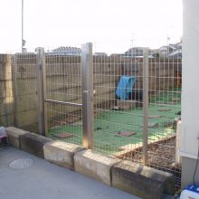 ドックラン用に塀を設置 NO.545の施工写真0