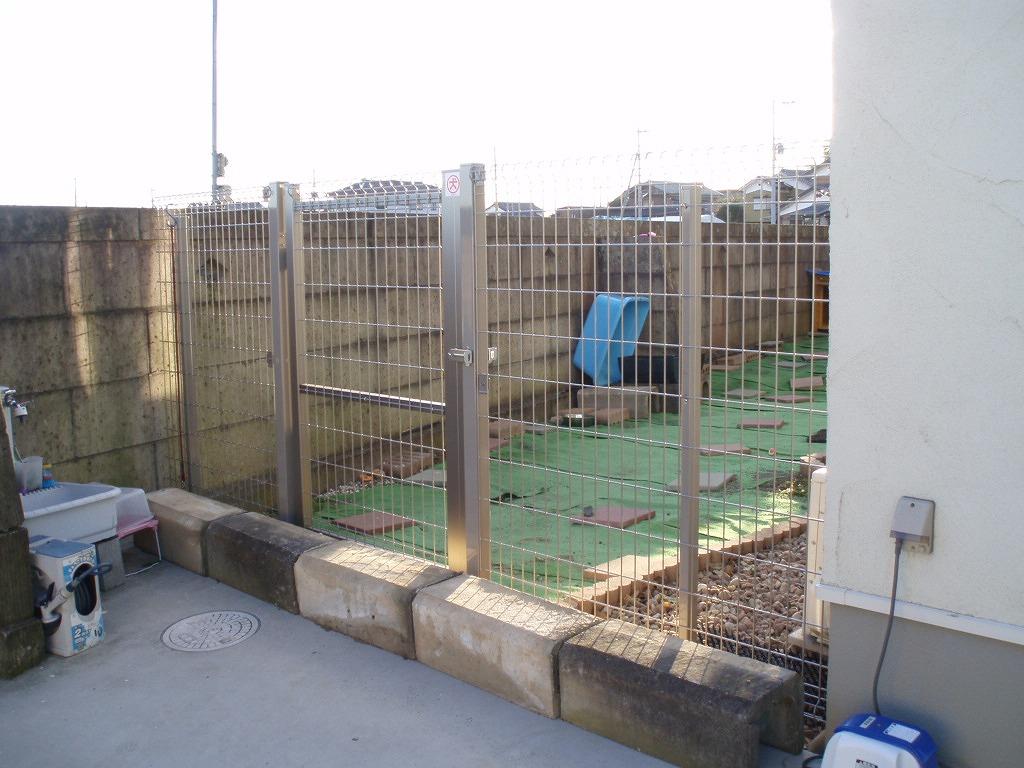 ドックラン用に塀を設置 NO.545