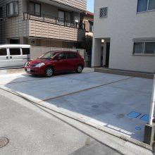 二世帯の機能門柱と駐車場工事 NO.572の施工写真2