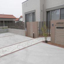 シンプルで洗練された門まわり NO.567の施工写真1