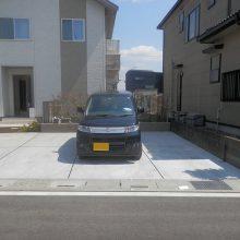 駐車場工事と塀の設置 NO.584の施工写真