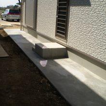 家の周りを砂利とコンクリートで NO.595の施工写真2