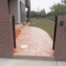 スタンプコンクリートのアプローチに合った砂利 NO.597の施工写真