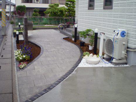 石貼りのアプローチと植物の融合 NO.611の施工後写真4