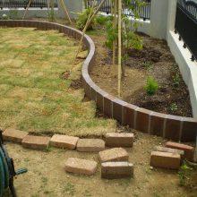 ブロックで曲線の花壇を作成 NO.622の施工写真2