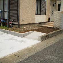 庭石などと取り除き駐車場に NO.664の施工写真2