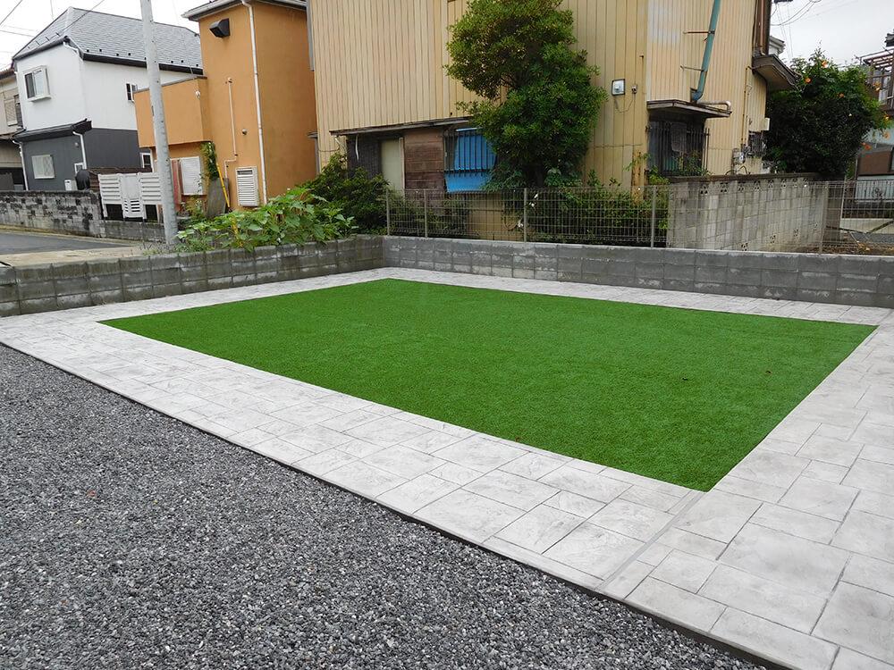 天然芝から人工芝へ NO.674の施工写真1