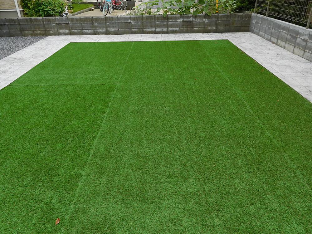 天然芝から人工芝へ NO.674の施工写真2