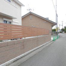 塀工事と目隠しフェンスを施工 NO.679の施工写真2