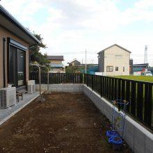 土間と機能門柱でオープン外構 NO.711の施工写真2