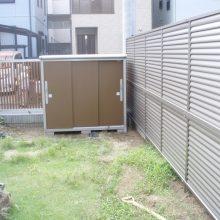 目隠し多段フェンスを設置 NO.710の施工写真1