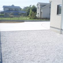 雑草対策は土間と砕石 NO.715の施工写真1