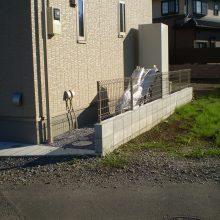 雑草対策とフェンス取付け NO.705の施工写真3