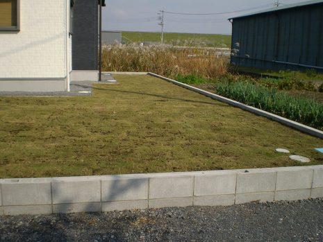 敷地が大きい時の雑草対策 NO.749の施工後写真1