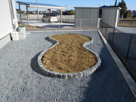 人工芝とウッドデッキの相性 NO.786の施工後写真1